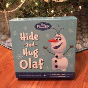 Frozen Hide and Hug Olaf